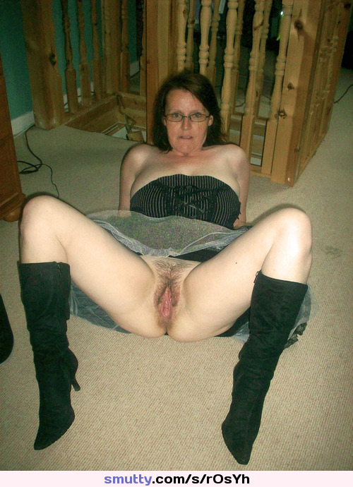 Mature Milf Mom Mommy Olderwomen Wife Amateur Upskirt Hairy
