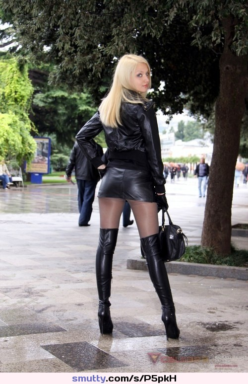 Hot blonde Jana bound in chains and tortured with crop wearing thigh boots № 272693 бесплатно