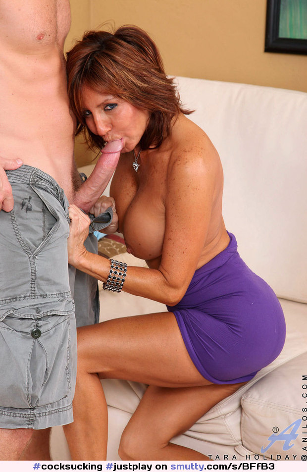 Mature cougar blowjob