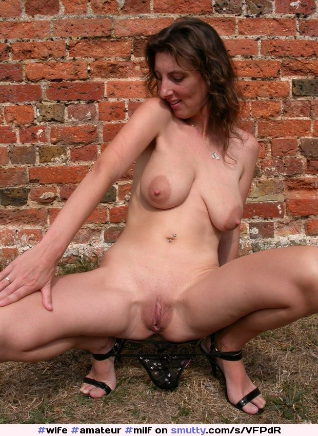 Amateur tranny posing for her first shoot 4