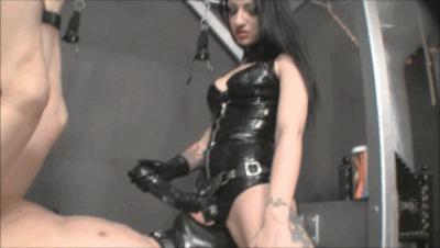 domashnee-porno-video-zhena-i-dva-huya