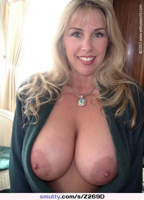 Adorable milf with great body teasing on webcam 6