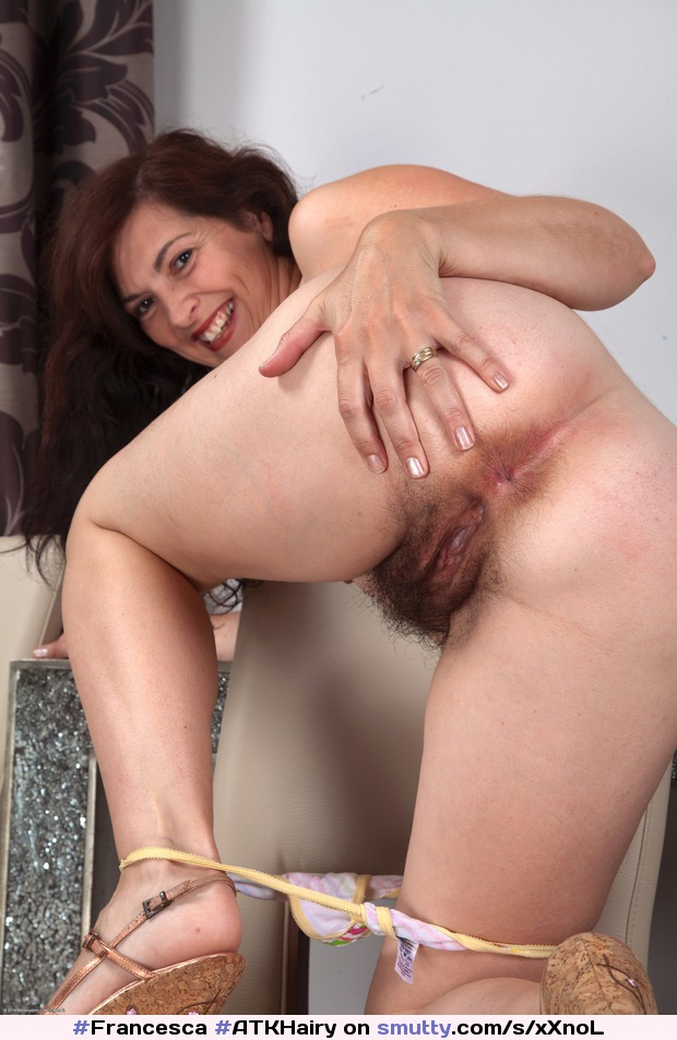 Mature wife takes a creampie from her bull 1