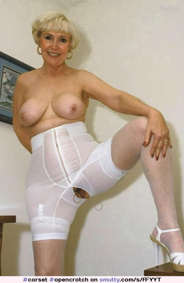 Обнаженные Пожилые В Панталонах