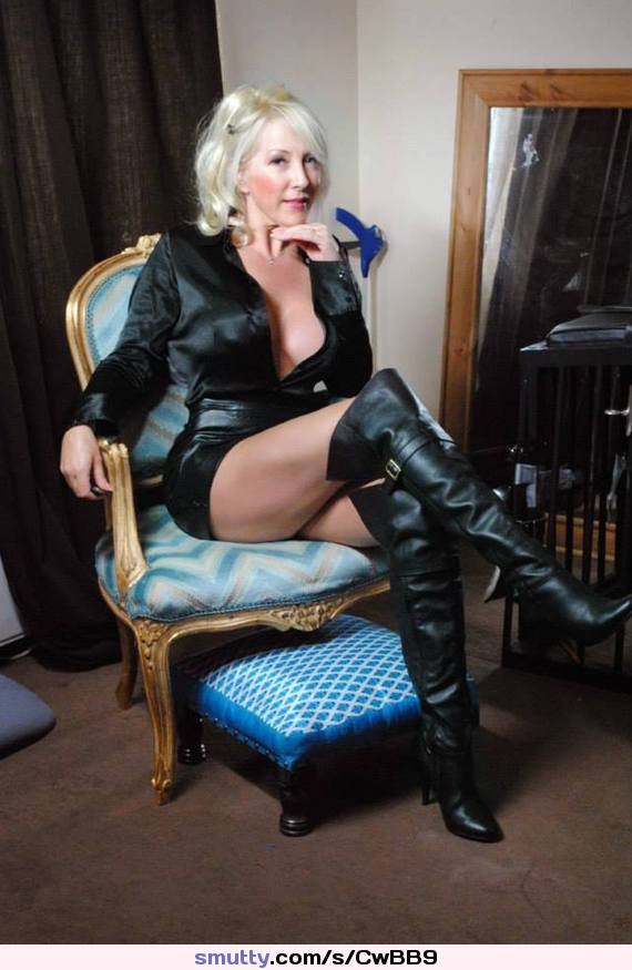 threesome with elements of femdom from two stunning milfs  271218