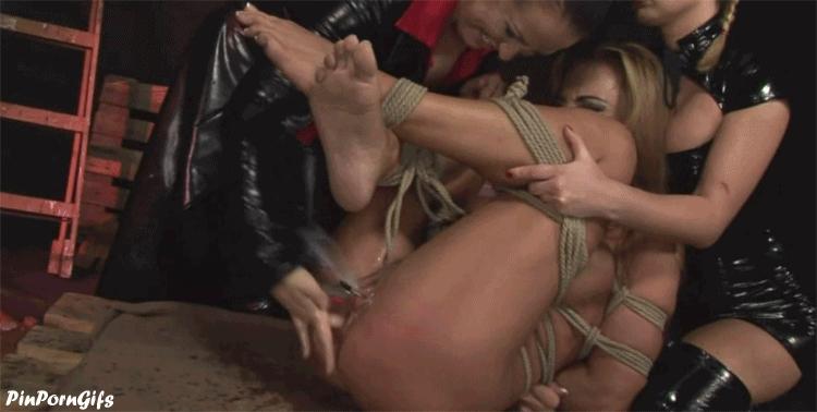 порно групповуха лесбиянок на мастурбацию фото