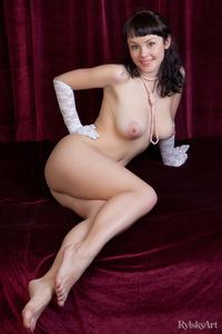 Peebee Naked