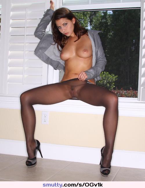 Nude Porn Pics Free brunette porn pics