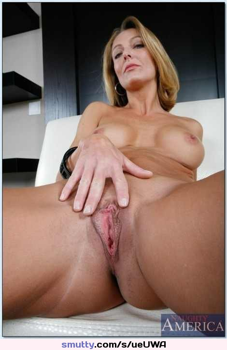Hot mom shaved pussy hard porn pictures not deceived