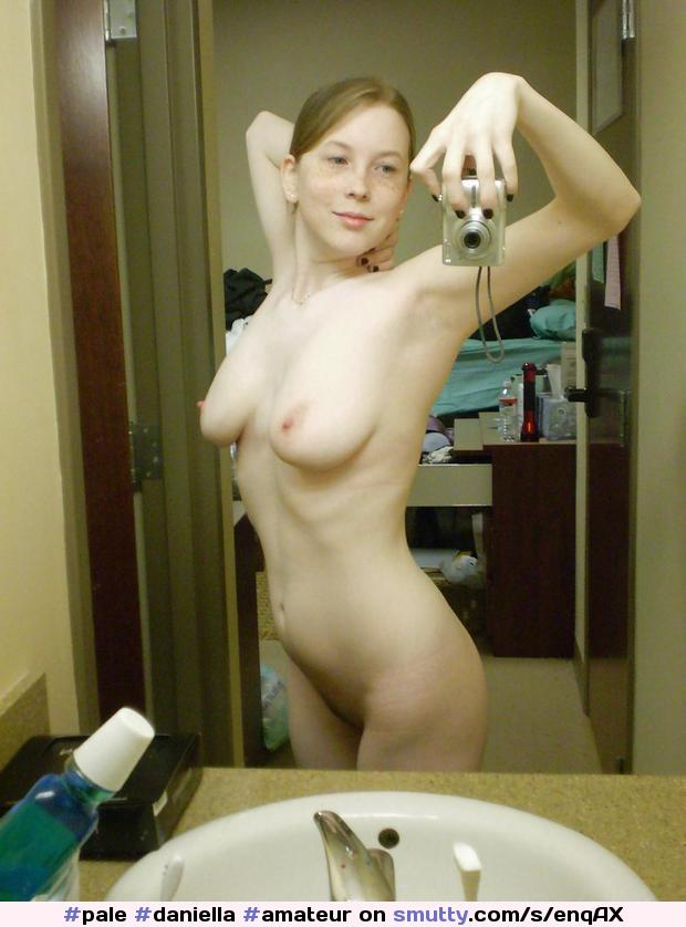 #Daniella #Amateur #selfshot #mirror #redhead #perfect #body #realgirl