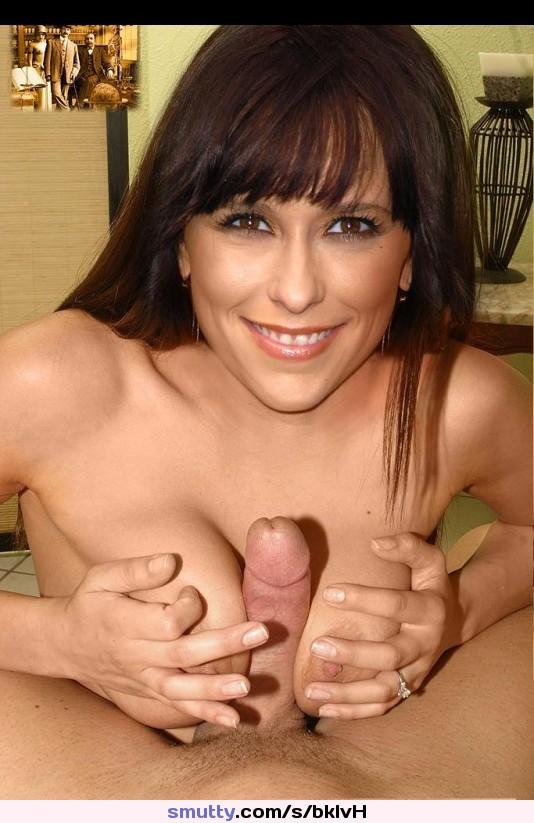 Attractive Jen Love Hewitt Naked Gif