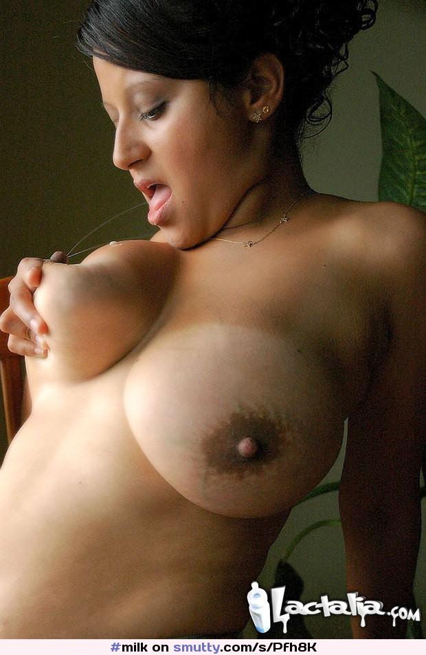 cjcen хорошем в женщины видео две грудное качестве молоко