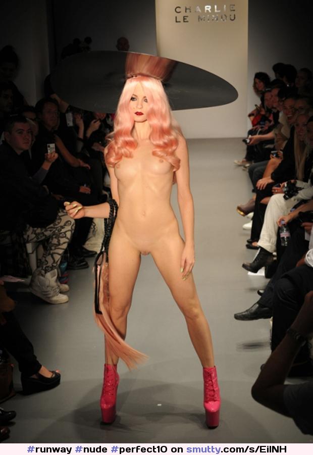 уняв мучительное смотреть онлайн видео голые сиськи на подиуме модель сегодня вырвалась