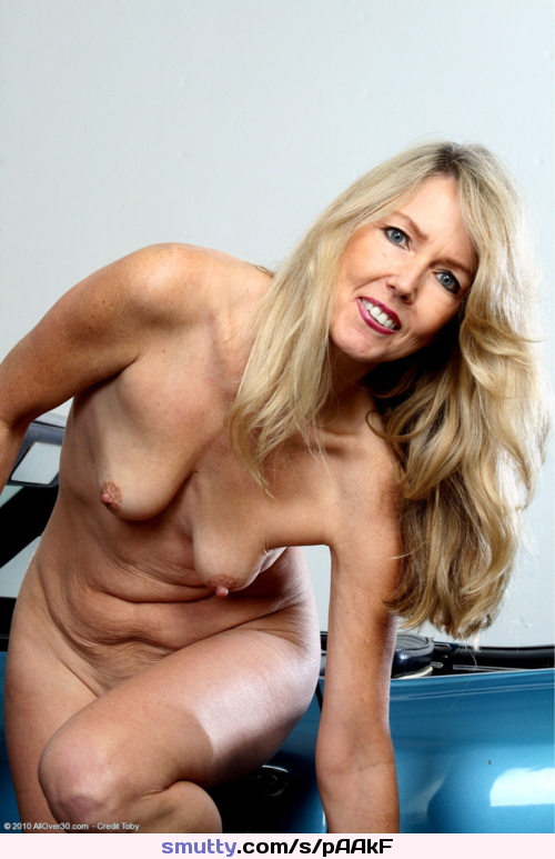 naked old cougar women