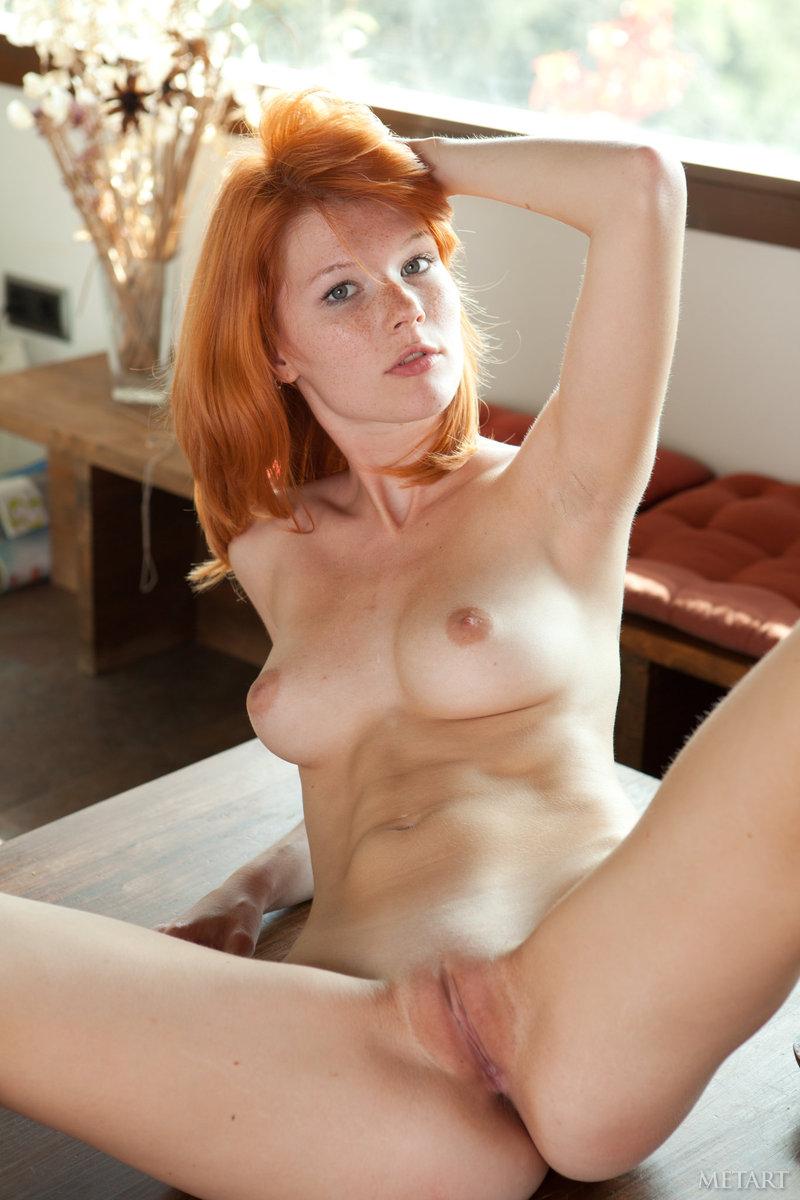 Ich habe Carmella Bing gebohrt und erlebt, wie ihre großen Brüste fetten Arsch gefickt werden photo 3