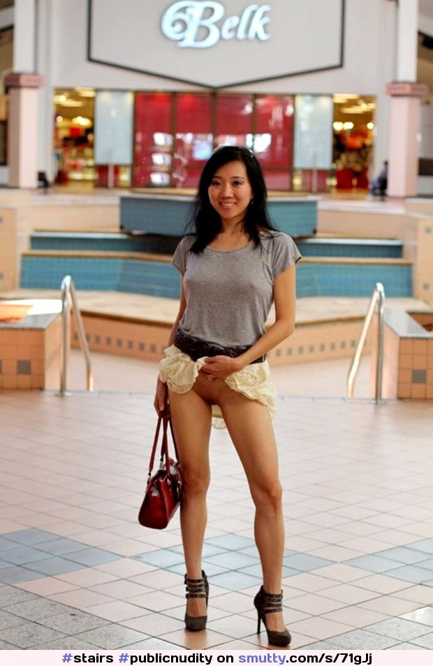 #PublicNudity #Flashing