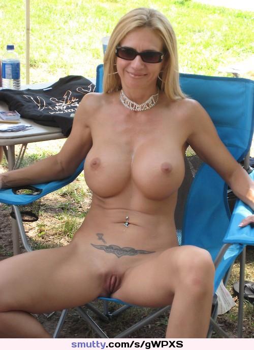 Nude babe hot tub-3281