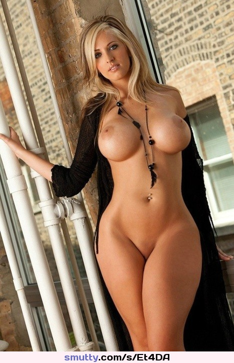 #nude #seminude#blonde#boobs #shaved#hourglass#Beautiful