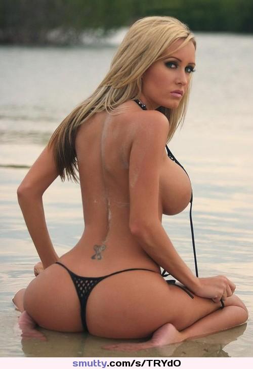 Bikini blonde thong