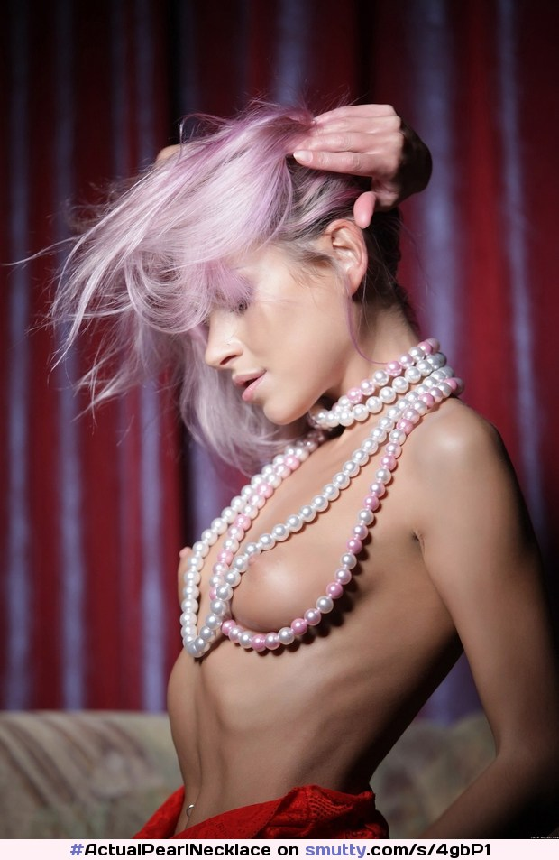 #HighRes #skinny #pinkhair #necklace #topless #necklace #posed #Glamour #artistic #nudeart