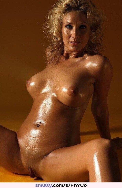 Красивые голые зрелые девки, фото красное белье возбуждает