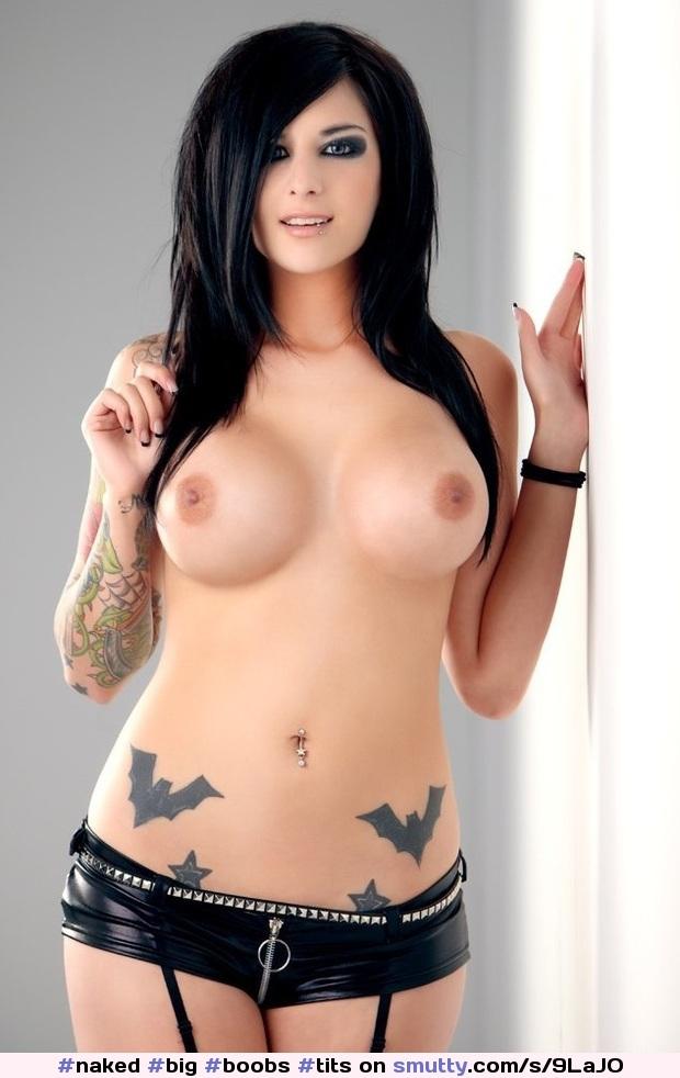 Amerikanisches Babe Mit Silikon Titten