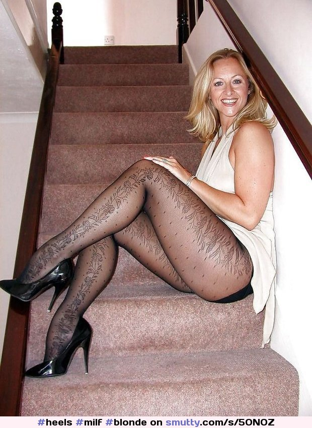 Pantyhose Mature Porn Picture Galleries at Graceful MILF.
