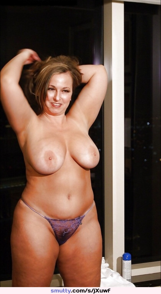 Mature chubby blonde likes giving hand jobs 1