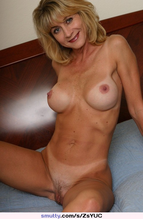 Beautiful naked mature women