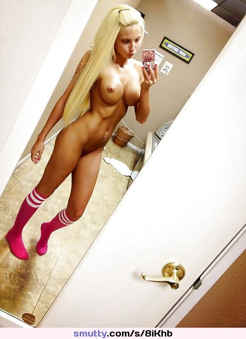 tall blonde nude selfie
