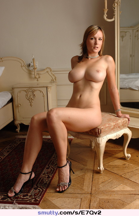 Mom xxx in high heels photos and other amusements