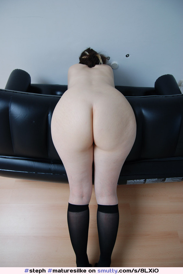 nude Pale ass mature