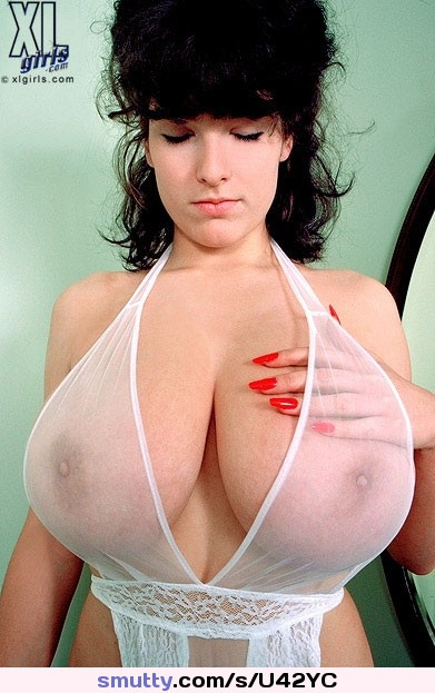 virginia-felsom-big-boob-model