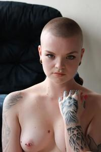baldgirl info