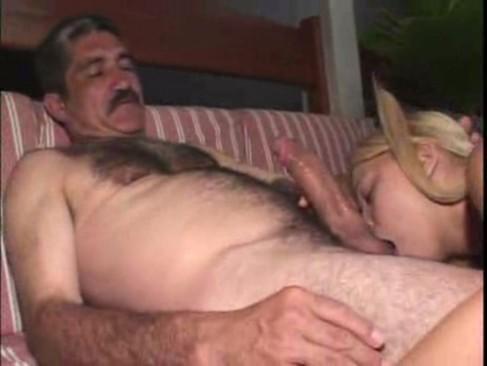 Смотреть старик трахает парня и кончает в жопу 4
