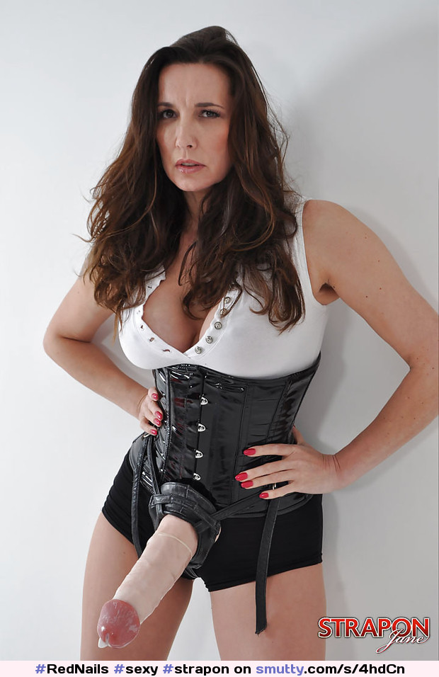 Mature dominatrix strapon