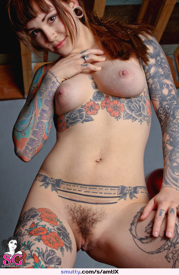 Amateur girl sunbathing nude