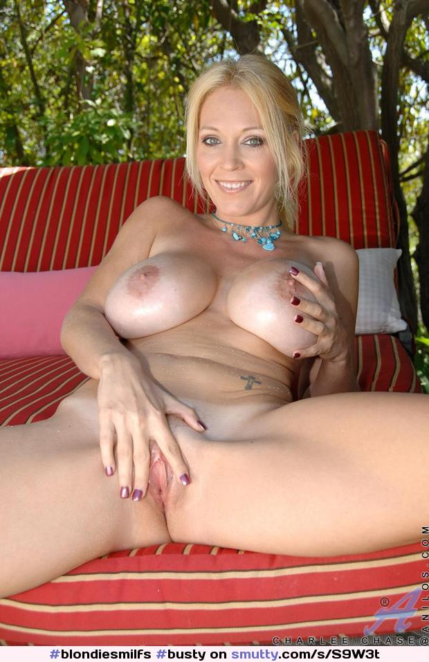 Warm Milf Nude Busty Gif