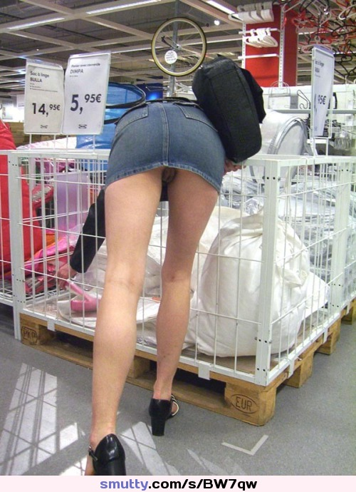 So THAT'S why Ikea have those big floor standing baskets…!!! I always wondered…