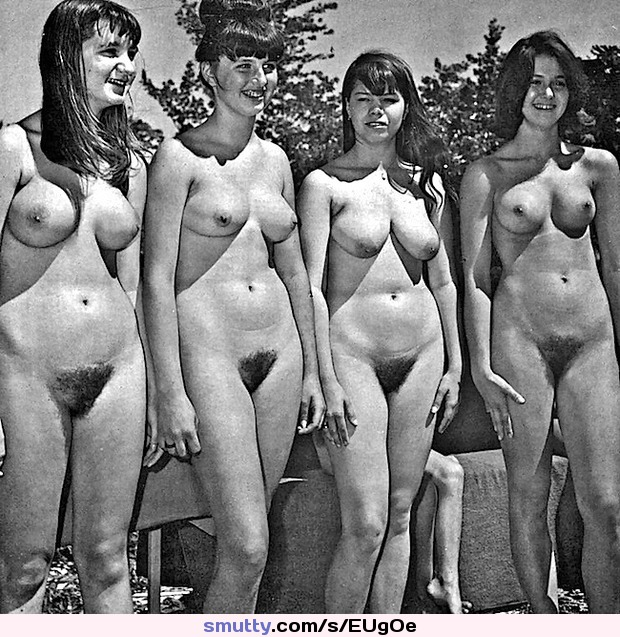 vintage-nudist-women-group