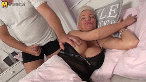 Granny fuck porn gif