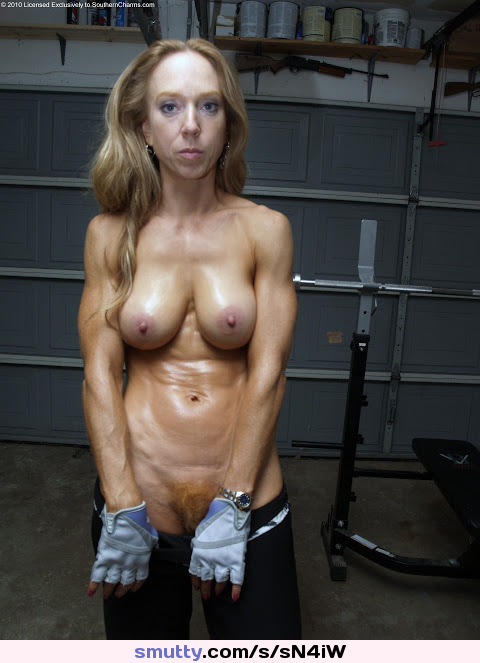 Redhead Ginger Mature Milf Hardbody Fit Fitness Muscle Flexing -5570