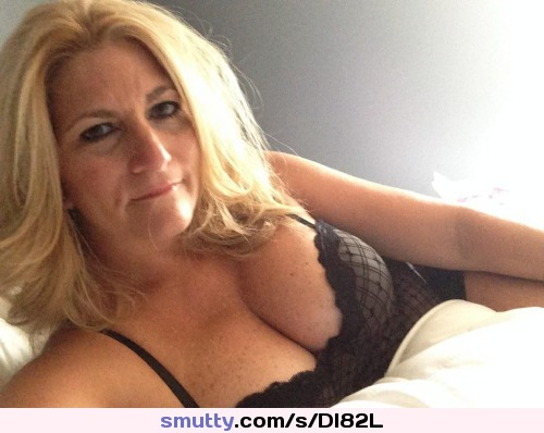 sophisticated video Sexy blowjob cleavage