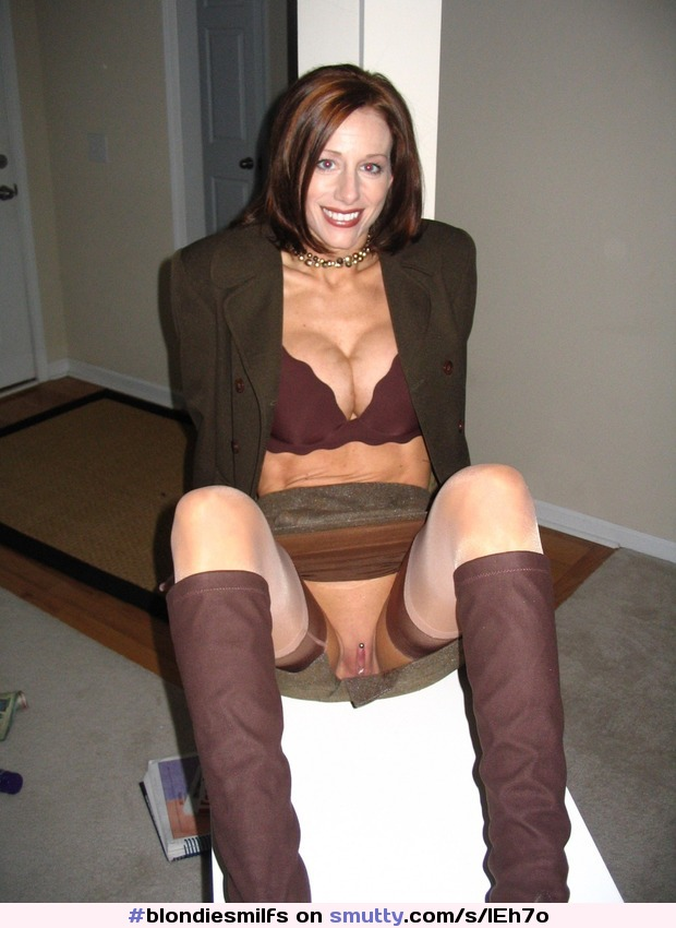 Upskirt moms and pantyhose wives attentively would
