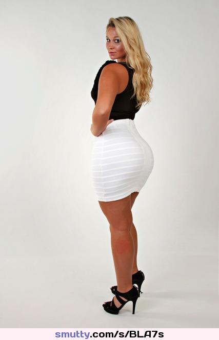 Sexy Ebony Teen Babe ist bereit zu ficken um die Prostitution zu legalisieren photo 3