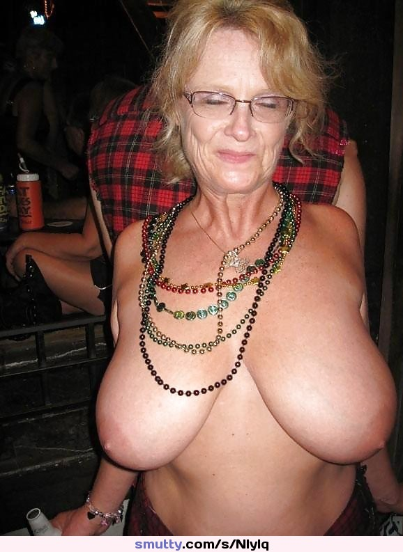 Granny Bed - free mature picture galleries