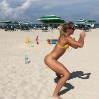 #KatarinaKonow #fit #athletic #AnimatedGif #animated #gif #exercise #exercises #exercising #bikini #beach #tanned