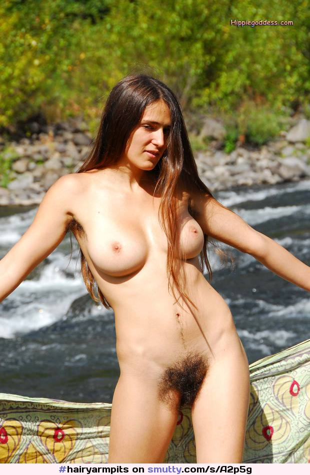 #hairyarmpits #hairypussy #hairy #fullbush #treasuretrail #Alexia #HippieGoddess #outdoors #nature #river