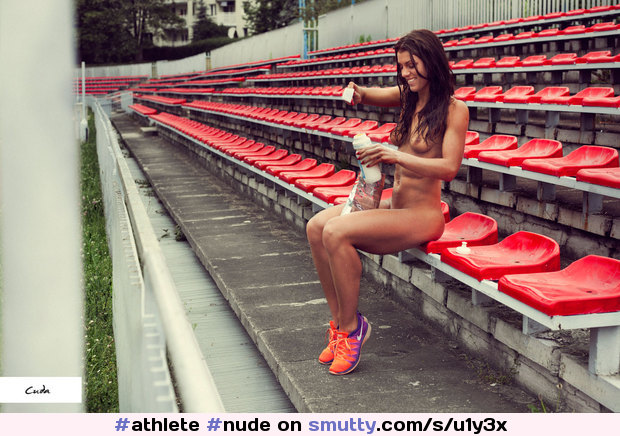 #athlete #nude #onlyshoes #fit #athletic #SylwiaPawlak #outdoors #outdoor #outside #outdoornudity #abs #smalltits #tanned #notanlines