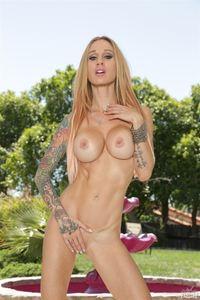 New Sarah sexy nude tattoo photos does not